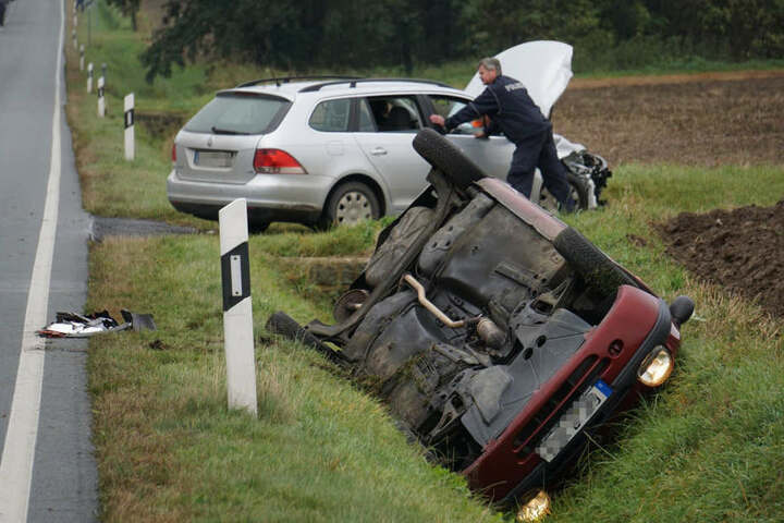 Vier Personen sollen bei dem Unfall verletzt worden sein.