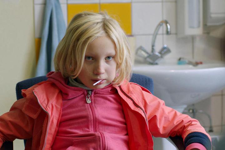 Bernadette 'Benni' Klaaß (Helena Zengel) macht sich und anderen durch ihre selbstzerstörerische Art das Leben schwer.