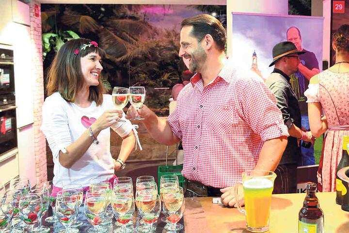 Auf die Liebe! Ines (31) und Rico (42) trafen sich bei der Dating Night.