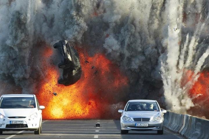 """Bei """"Alarm für Cobra 11"""" gehören spektakuläre Explosionen und atemberaubende Stunts einfach dazu!"""