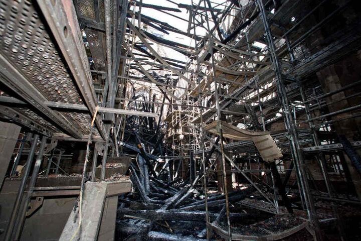 Nach einem verheerenden Brand im Juni 2014 war von der Kirche nicht mehr viel übrig. (Archivbild)