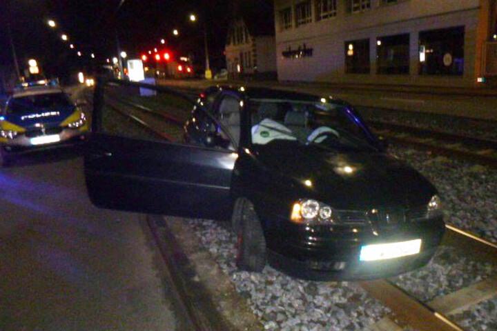 Weder der 17-jährige Fahrer noch seine drei Beifahrer wurden verletzt.
