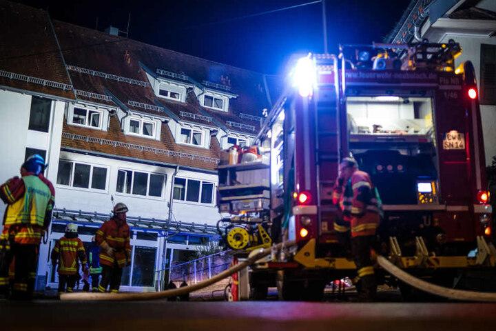 Bei dem Brand starben ein Mann und eine Frau.