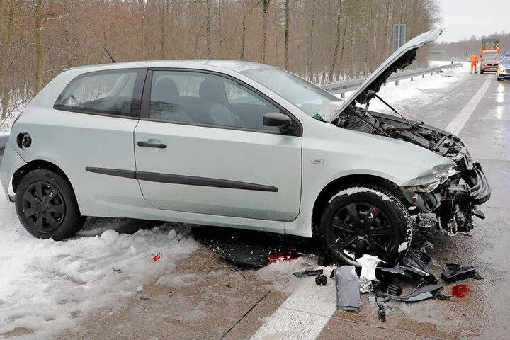 Die Fahrerin des Fiat kam verletzt ins Krankenhaus.