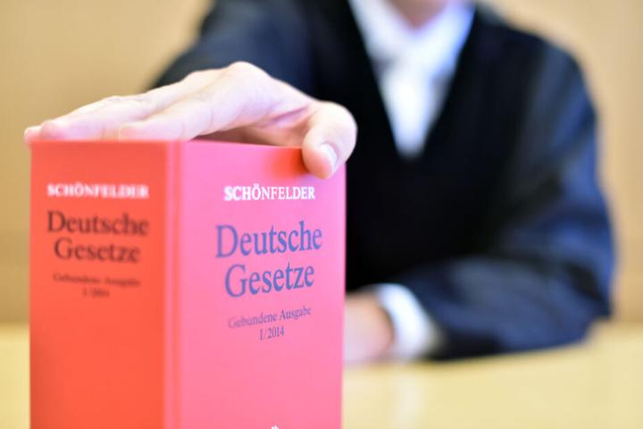 Das deutsche Strafgesetz ahndet Volksverhetzung, Beleidigung, Verleumdung und Co. (Symbolfoto).