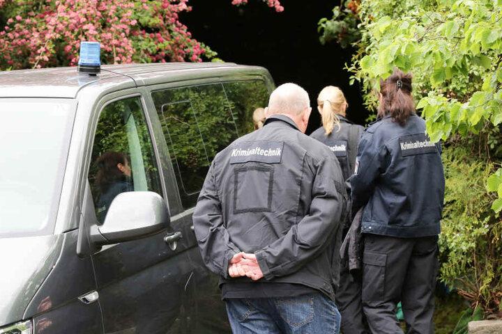 Bei dem Polizeieinsatz in Hamburg-Hausbruch ist ein Mann von Beamten erschossen worden.