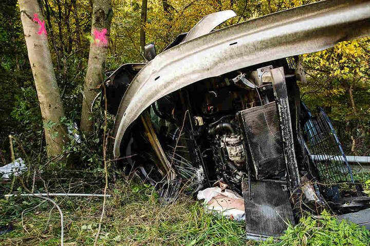 Das Auto war nach dem Unfall komplett zerstört.