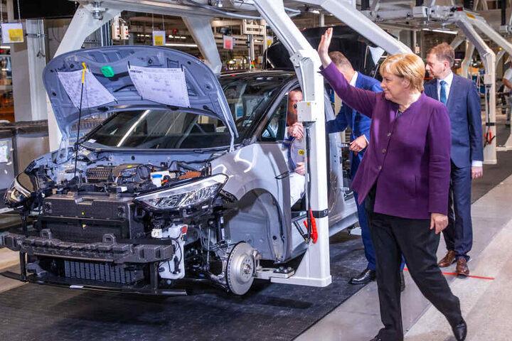 Bundeskanzlerin Angela Merkel im VW-Werk in Zwickau.
