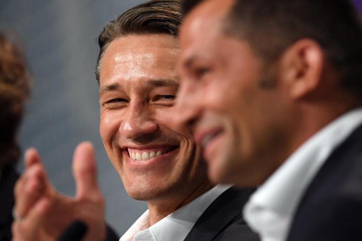 Auf der Pressekonferenz hatte der neue Bayern-Trainer jeden Grund zur Freude.