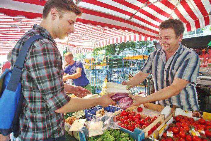 Wer frische Lebensmittel sucht, wird auf dem Abendmarkt garantiert fündig. Ab dem 22. März geht's wieder los.