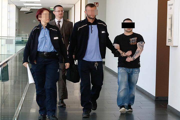 Hunde-Quäler Marco E. muss für acht Monate hinter Gitter.
