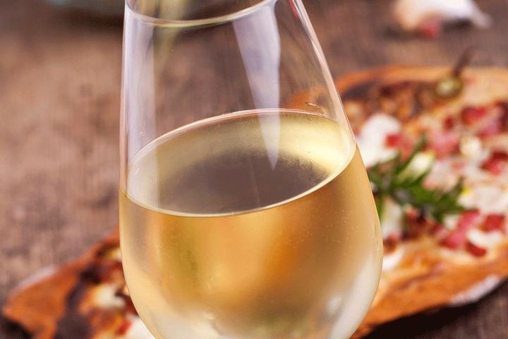 Rot oder Weiß? Welcher Wein darf es denn sein?