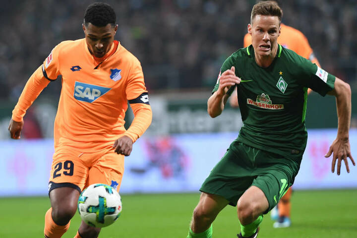 Bremens Niklas Moisander (r.) gegen Hoffenheims Serge Gnabry.