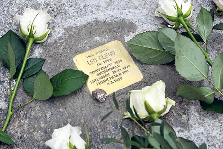 Auch der Lehrer und Leiter der Jüdischen Sonderklassen, Leo Elend  (29.4.1896-7.3.1939), bekam gestern einen Stolperstein.
