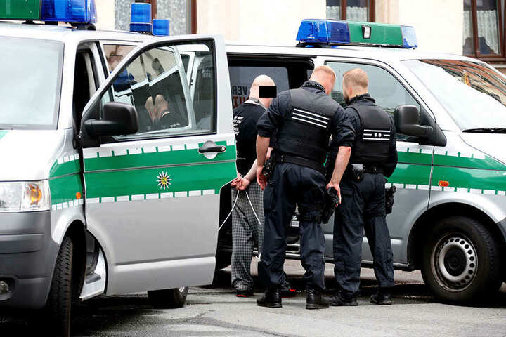 Die Beamten konnten den mutmaßlichen Dieb festnehmen.