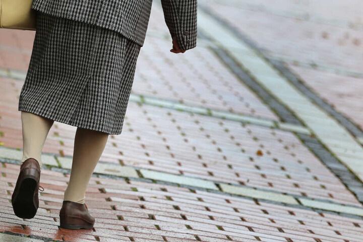 Die 85-Jährige klaute in ihrer Bewährungszeit erneut und muss deshalb wieder vor Gericht. (Symbolbild)