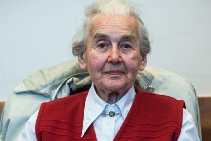 Am Dienstag wurde Ursula Haverbeck von der Polizei in ihrem Haus in Vlotho verhaftet.