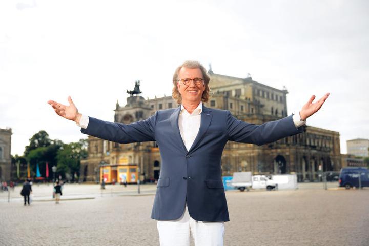 Walzerkönig André Rieu (63) - empfängt er Freitag um Mitternacht einen  Orden?