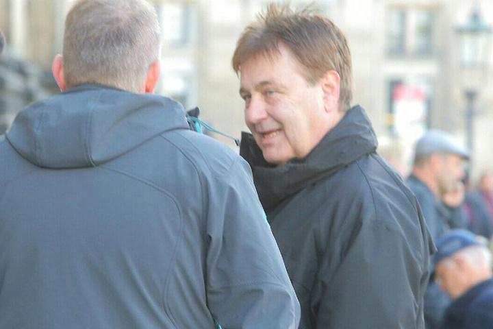 Auch Bernd Merbitz - Polizeipräsident in Leipzig ist vor Ort.