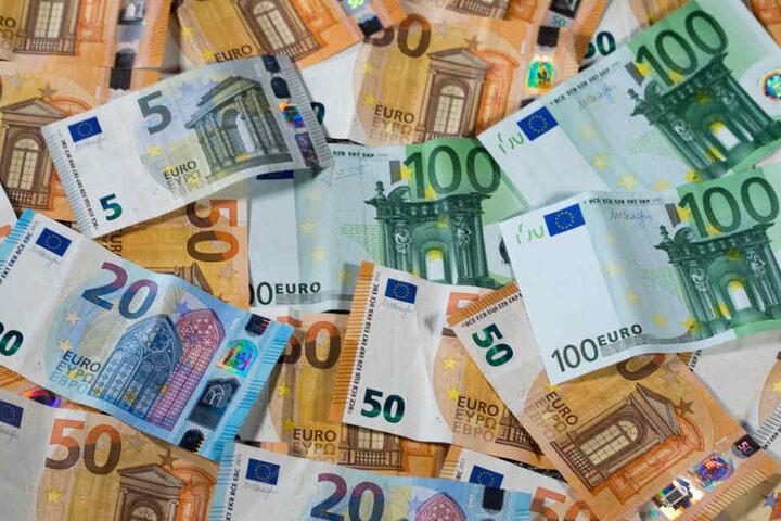 Die SPD-Forderung nach Wiedereinführung einer Vermögensteuer sorgt in der großen Koalition von Union und Sozialdemokraten für heftige Auseinandersetzungen.