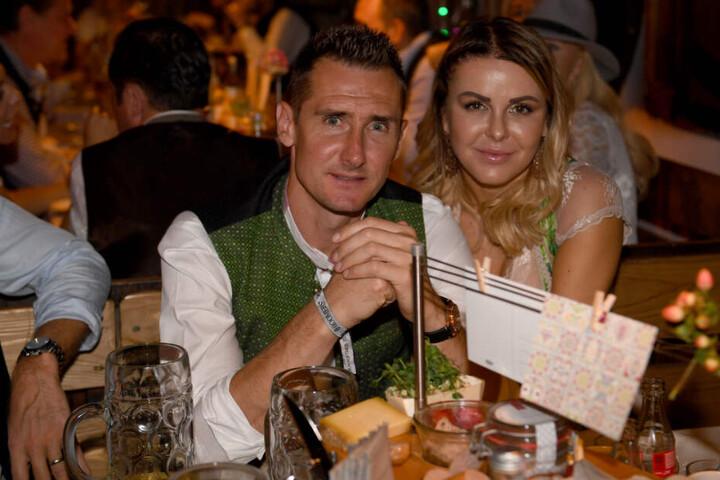 Miroslav Klose und seine Frau Sylwia beim Oktoberfest 2019.