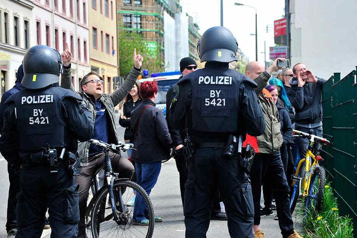 Wut gegen Rechts: Viele Menschen zeigten den Neonazis deutlich ihre Meinung.