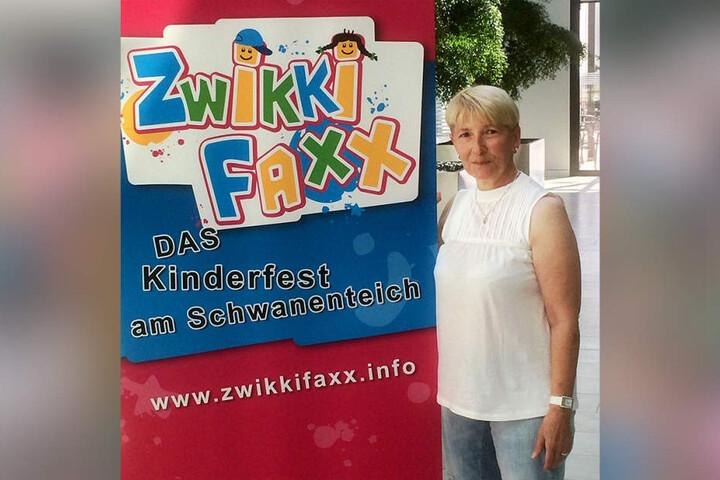 Organisations-Chefin Karin Berg (64) freut sich auf den großen  Kinderspaß.