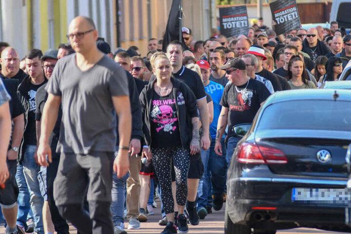 Die Demonstranten gingen gegen das ihrer Meinung nach geringe Urteil auf die Straße.