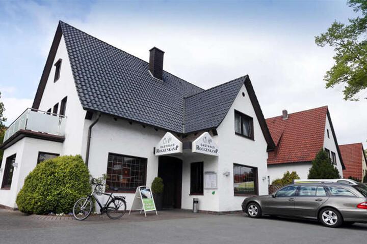 Gegen 0.50 Uhr stürmten die vier Täter das Gasthaus Roggenkamp.
