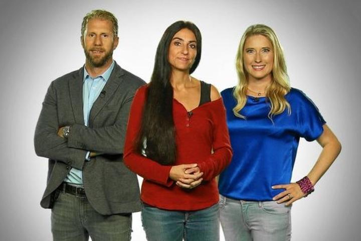 """Gemeinsam mit der ehemaligen """"Super Nanny"""" Katia Saalfrank (46, M.) und Unternehmerin Lencke Steiner (32, """"Die Höhle der Löwen) war Christopher Posch im Januar auf Sat.1 zu sehen."""