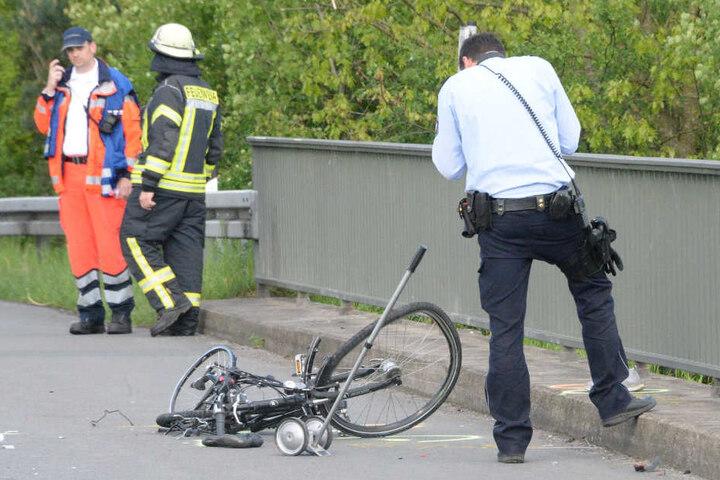 Die Polizei nahm den schweren Unfall auf.