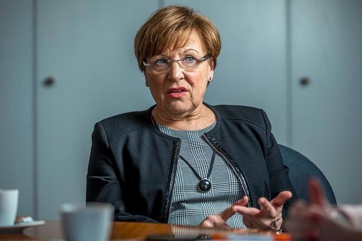 Kultusministerin Brunhilde Kurth findet nicht genügend reguläre Lehrer.