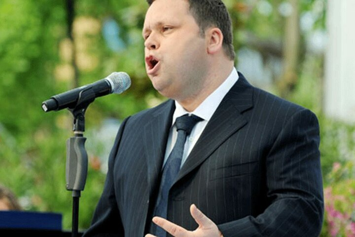 "Paul Potts wird bei ""Emotions on Ice"" singen."