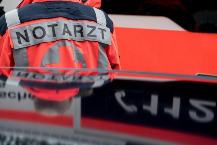 Mit einem Rettungshubschrauber wurde der Mann in eine Klinik geflogen (Symbolfoto).