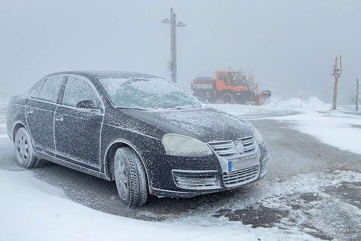 Auf dem Fichtelberg lagen die gefühlten Temperaturen am Montagmorgen im zweistelligen Minusbereich.
