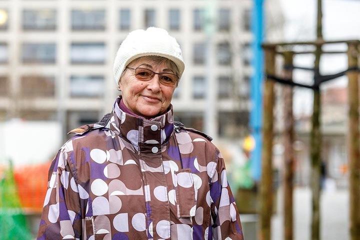 """Carla Antosch (69), Rentnerin aus Dresden: """"Mit guten Vorsätzen fange ich gar nicht erst an! Ich mache Sachen lieber ohne Druck. Wenn es dann nicht klappt, brauche ich mich auch gar nicht zu ärgern. Was ich mir wünsche, ist gesund zu bleiben."""""""