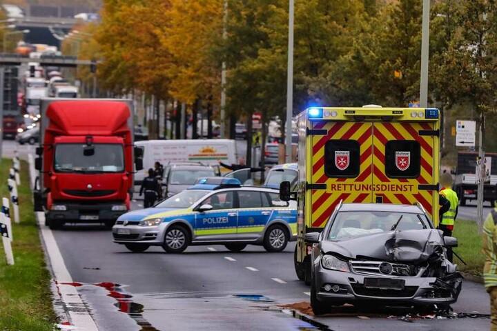 Die Radeburger Straße musste gesperrt werden.