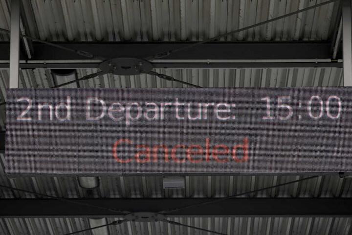 Die Fahrten des Passagierschiffes wurden vorerst eingestellt.