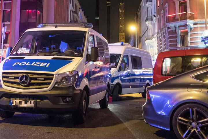 Die Polizei musste daraufhin in der Frankfurter Elbestraße anrücken. (Symbolbild)