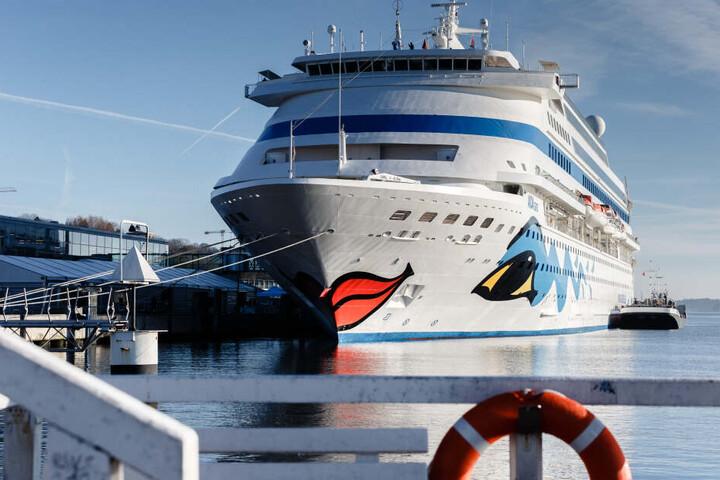 """Die """"AIDACara"""" wird am Sonntag als erstes Kreuzfahrtschiff der Saison in Kiel festmachen."""