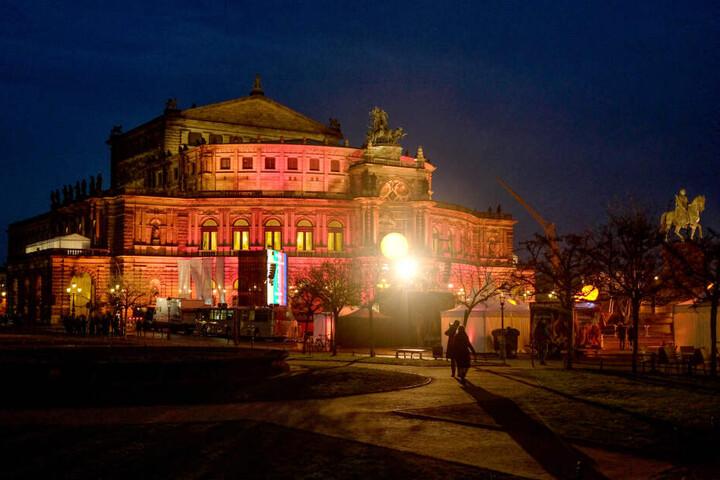 """Freitagabend in Dresden: """"Faszination Dresden - Träume werden wahr""""."""