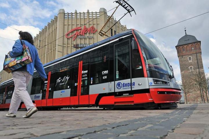 So schnittig sehen die neuen Luxus-Straßenbahnen von Skoda aus, die noch dieses Jahr durch Chemnitz rollen werden. Die erste Testfahrt fand vor knapp sechs Jahren statt.