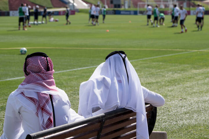 Der FC Bayern München bereitet sich einmal mehr in Katar auf die Rückrunde vor. (Archivbild)