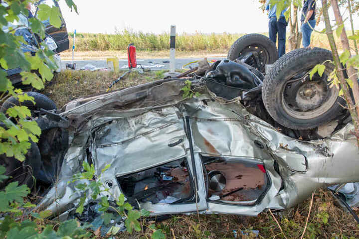Die Dacia-Fahrerin starb bei dem Unfall.