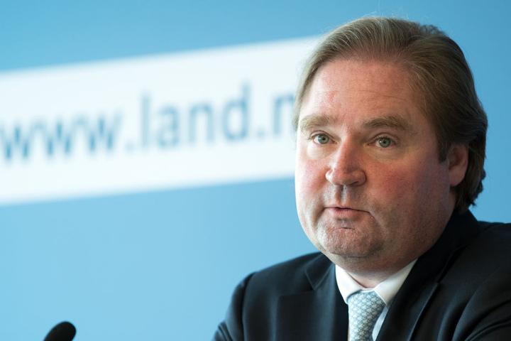 Finanzminister Lutz Lienenkämper (CDU) hat die Mitarbeiter zum Weihnachtsfrieden angewiesen.