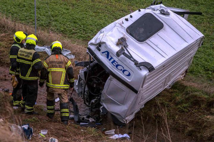 Sportwagenfahrer stirbt bei schwerem Unfall auf A38
