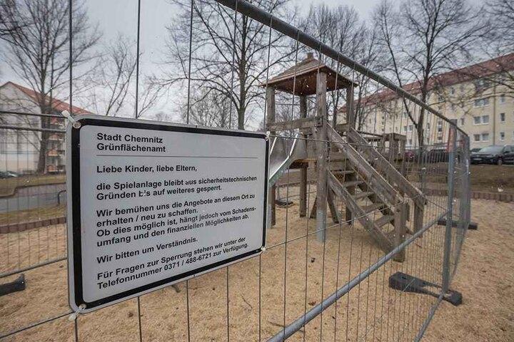 An der Lortzingstraße ist ein großes Spielgerät schon seit über einem Jahr gesperrt.