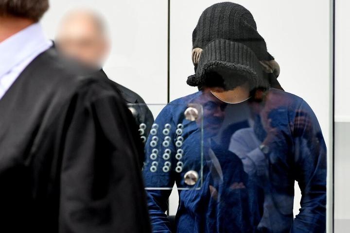 Der Prozess gegen den mutmaßlichen IS-Anführer in Deutschland hat vor zwei Jahren begonnen.