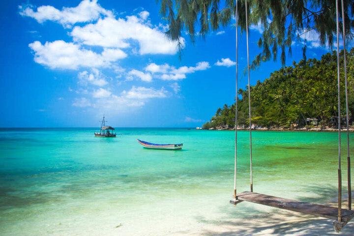 An den Traumstränden der thailändischen Insel Koh Chang werden vier Paare auf eine harte Probe gestellt.
