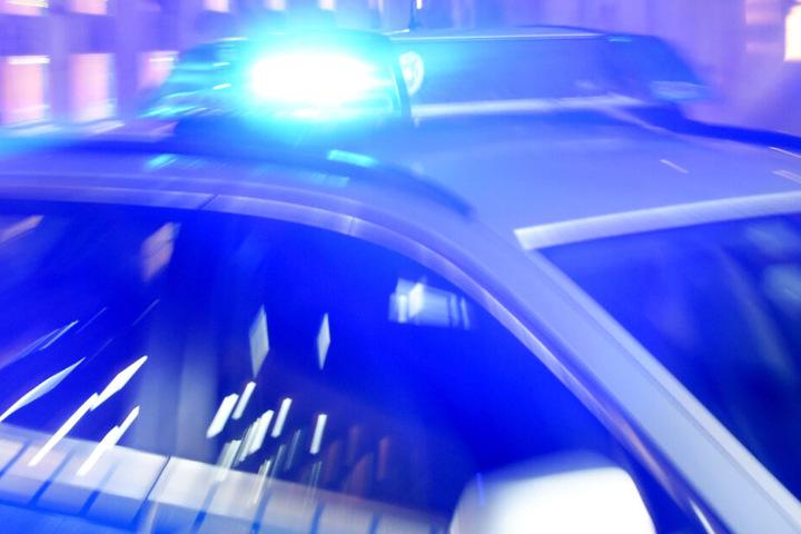 Die Polizei war noch vor der Feuerwehr vor Ort (Symbolbild).